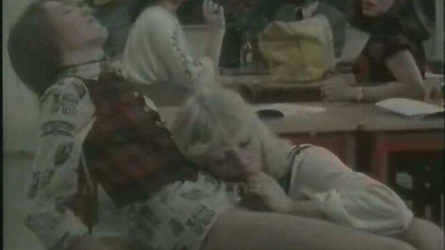 Felnőtt nincs regisztráció  Anya érett szőrös pinák Belle vele szerető