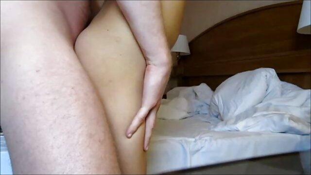 Felnőtt nincs regisztráció  Orosz pornó a extrém szőrös pinák fürdőszobában