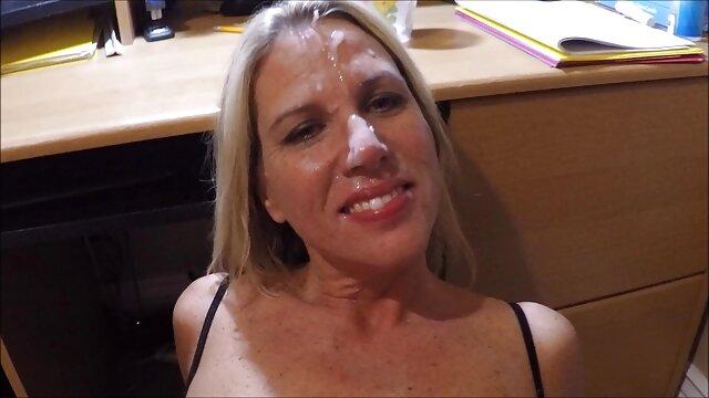 Felnőtt nincs regisztráció  Házi pornó: szőrös pinák pornó szőke szomszéd