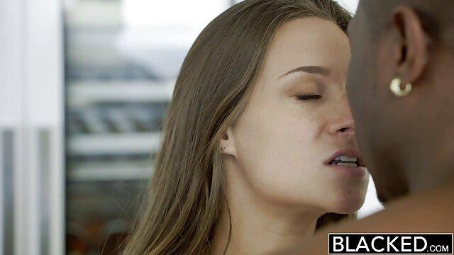 Felnőtt nincs regisztráció  Cum csöpög a soros pina szájából