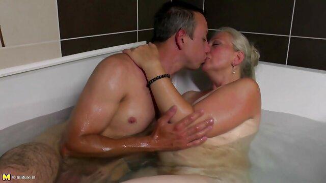 Felnőtt nincs regisztráció  Szex a szörös pina szex zuhany alatt