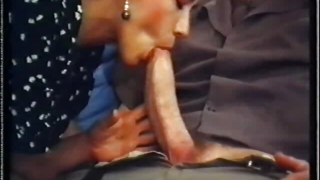 Felnőtt nincs regisztráció  Pornó film szörös pinák dugása