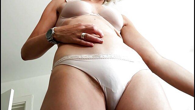 Felnőtt nincs regisztráció  Szőke masszőr szex az szoros pina porno asztalon