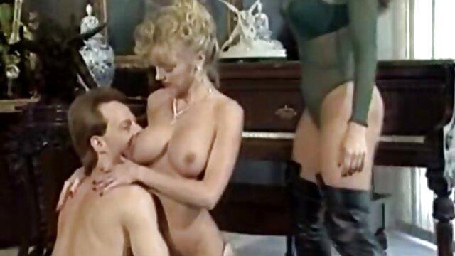 Felnőtt nincs regisztráció  Pornó filmek: szőrös pinák baszása szex Apáca, bella