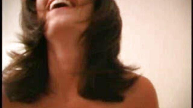 Felnőtt nincs regisztráció  Lány masszázs nagy szőrös pinák egy katsing