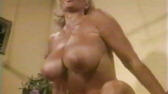 Felnőtt nincs regisztráció  Szex Gyönyörű idős szőrös pinák nő